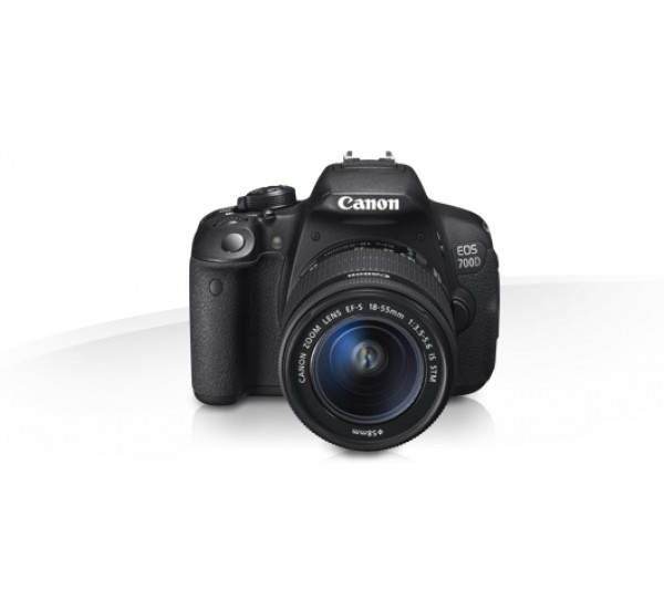 Canon EOS 700D Digital Camera Plus Free bag